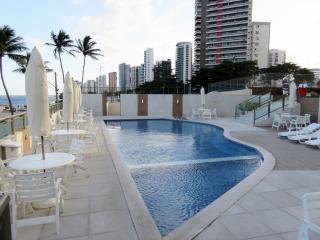 Jaboatão dos Guararapes: Apto reformado, 4 suites à beira-mar de Piedade, infraestrutura de lazer completa 2