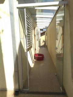 São Roque: Linda casa térrea com salão de 100m² no piso inferior - 55km de SP 2