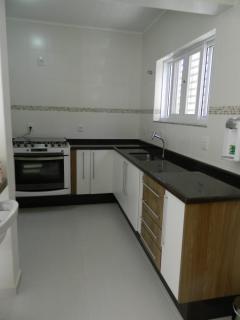 São Roque: Linda casa térrea com salão de 100m² no piso inferior - 55km de SP 4