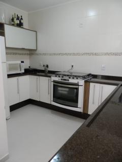 São Roque: Linda casa térrea com salão de 100m² no piso inferior - 55km de SP 5