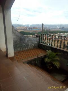 Volta Redonda: Excelente prédio de casas e loja no Eucaliptal 6