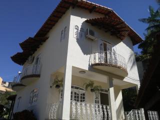 São Gonçalo: Casa Duplex em Condomínio com 03 quartos, sendo 01 suíte, para Venda em São Gonçalo 1